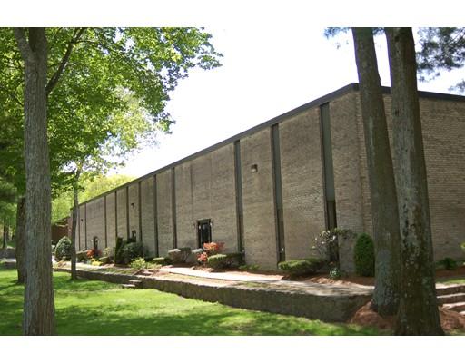 Additional photo for property listing at 108 South Street  Hopkinton, Massachusetts 01748 Estados Unidos