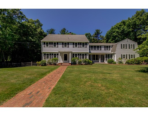 15 Hales Hollow Dover MA