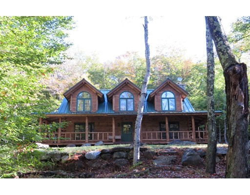 Casa Unifamiliar por un Alquiler en 1264 George Carter Road 1264 George Carter Road Becket, Massachusetts 01223 Estados Unidos