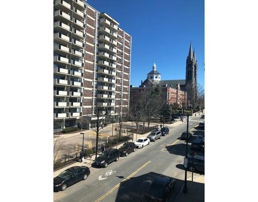 独户住宅 为 出租 在 1572 Tremont Street 波士顿, 马萨诸塞州 02120 美国
