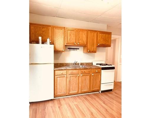 独户住宅 为 出租 在 1574 Tremont Street 波士顿, 马萨诸塞州 02120 美国