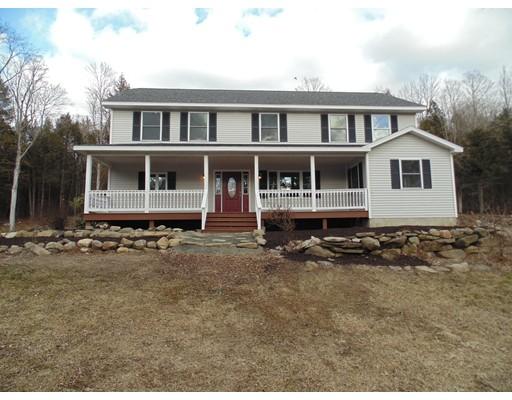 Maison unifamiliale pour l Vente à 5 Barr Hill Road 5 Barr Hill Road Huntington, Massachusetts 01050 États-Unis