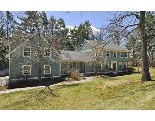 Maison unifamiliale pour l Vente à 88 Maple Ridge Road Northampton, Massachusetts 01062 États-Unis