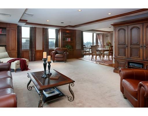 Condominium/Co-Op for sale in 2 Commonwealth Back Bay, Boston, Suffolk