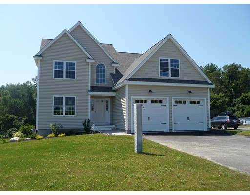 واحد منزل الأسرة للـ Sale في 12 Poplar Hill Circle Merrimac, Massachusetts 01860 United States
