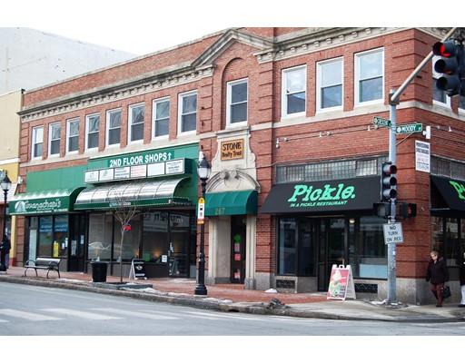 Comercial por un Venta en 265 Moody Street 265 Moody Street Waltham, Massachusetts 02453 Estados Unidos