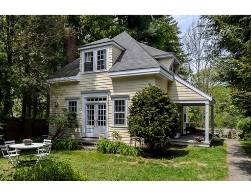 Single Family Home for Sale at 7 Hampden Street Wellesley, Massachusetts 02482 United States