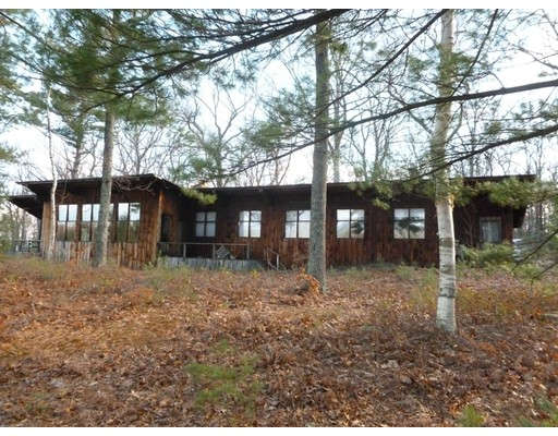 Single Family Home for Sale at 105 Vaughn Hill Road 105 Vaughn Hill Road Bolton, Massachusetts 01740 United States