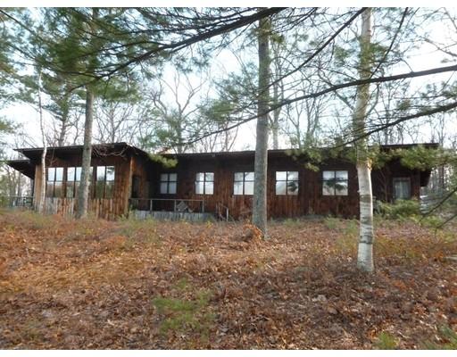 Maison unifamiliale pour l Vente à 105 Vaughn Hill Road 105 Vaughn Hill Road Bolton, Massachusetts 01740 États-Unis