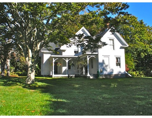 Single Family Home for Rent at 1054 State Rd,WT136 West Tisbury, 02535 United States