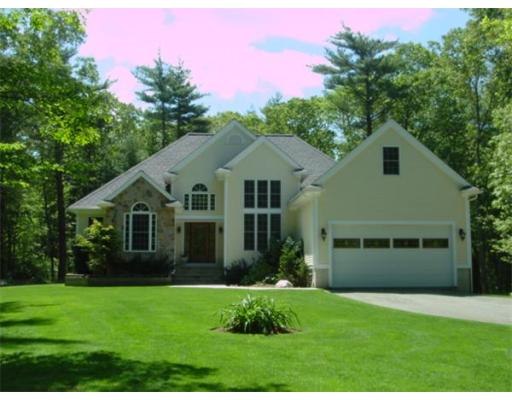 Single Family Home for Sale at 10 Andys Court Acushnet, Massachusetts 02743 United States