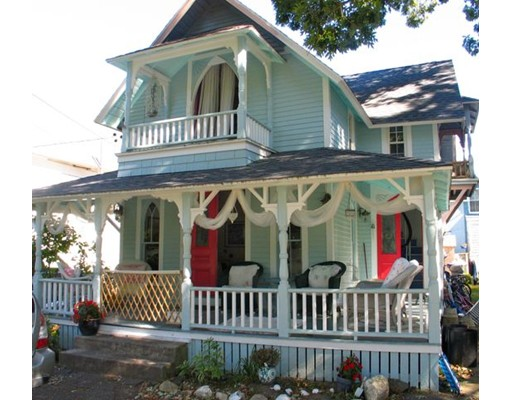 Casa Unifamiliar por un Alquiler en 51 Pequot Ave, OB505 Oak Bluffs, Massachusetts 02557 Estados Unidos