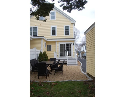21  Collins St,  Newburyport, MA