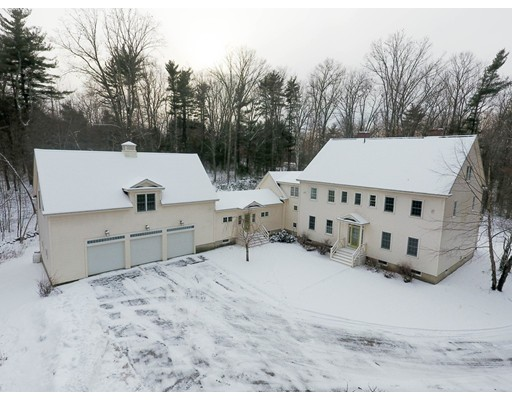 Single Family Home for Sale at 370 Westford Street Dunstable, Massachusetts 01827 United States