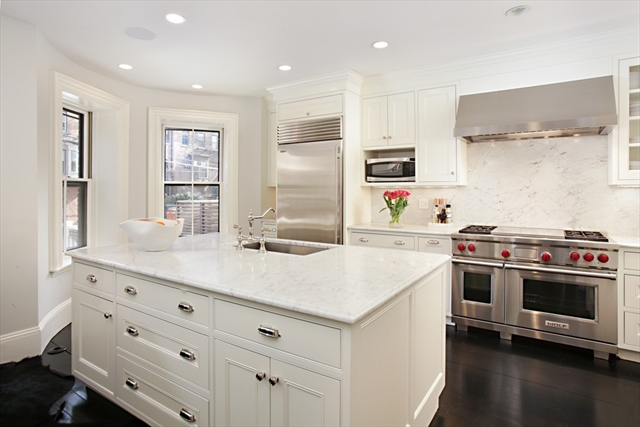 Photo #3 of Listing 185 W Brookline