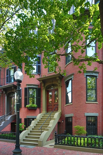 Photo #9 of Listing 185 W Brookline