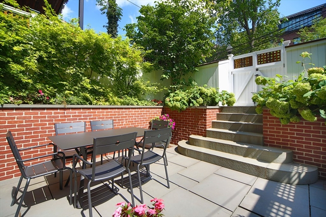 Photo #10 of Listing 185 W Brookline