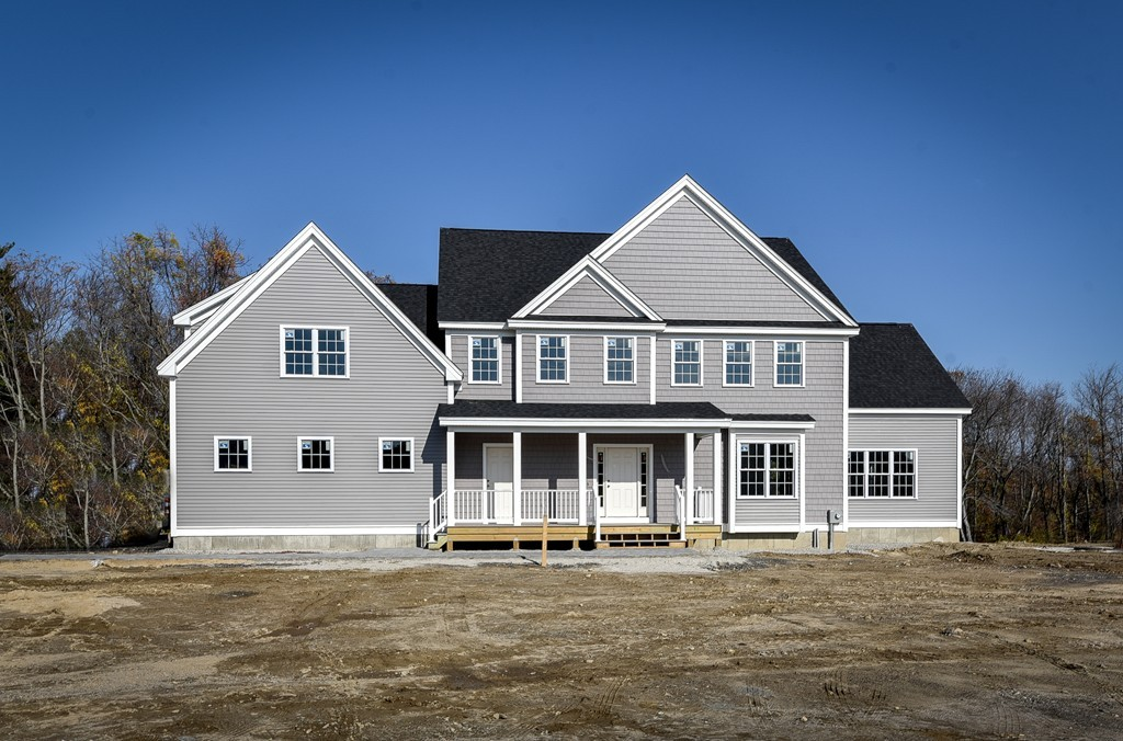 $899,900 - 4Br/4Ba -  for Sale in Holliston