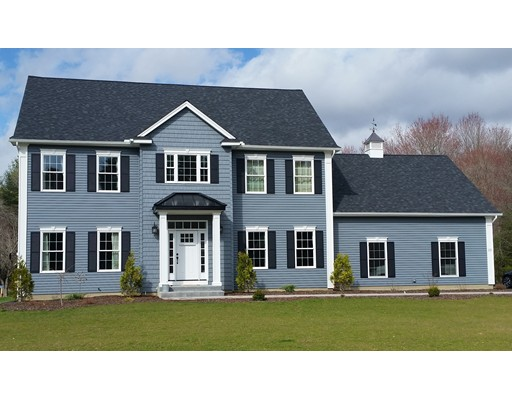 Casa Unifamiliar por un Venta en 11 Batchelor Street 11 Batchelor Street Granby, Massachusetts 01033 Estados Unidos