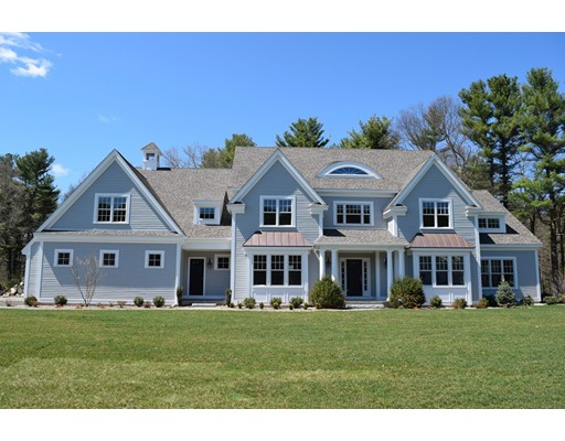 Casa Unifamiliar por un Venta en 10 Stagecoach Lane 10 Stagecoach Lane Dover, Massachusetts 02030 Estados Unidos