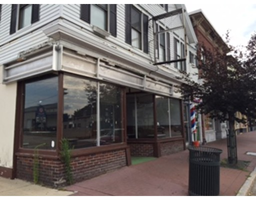 Commercial for Rent at 14 East Broadway 14 East Broadway Derry, New Hampshire 03038 United States
