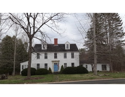 Maison unifamiliale pour l Vente à 130 West Road Petersham, Massachusetts 01366 États-Unis