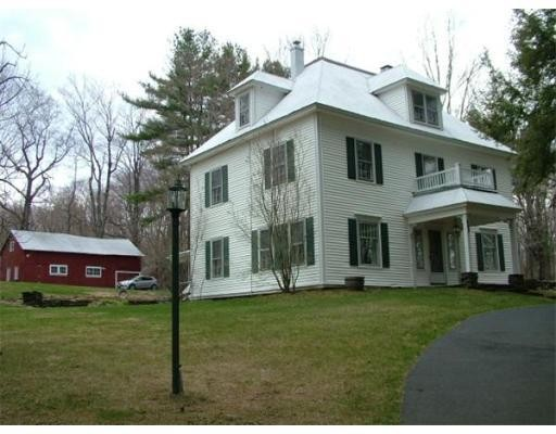 Casa Unifamiliar por un Venta en 468 W. Cummington Road 468 W. Cummington Road Cummington, Massachusetts 01026 Estados Unidos