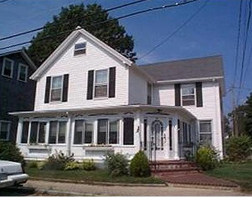 Casa Unifamiliar por un Venta en 35 West Central Avenue Wareham, Massachusetts 02558 Estados Unidos