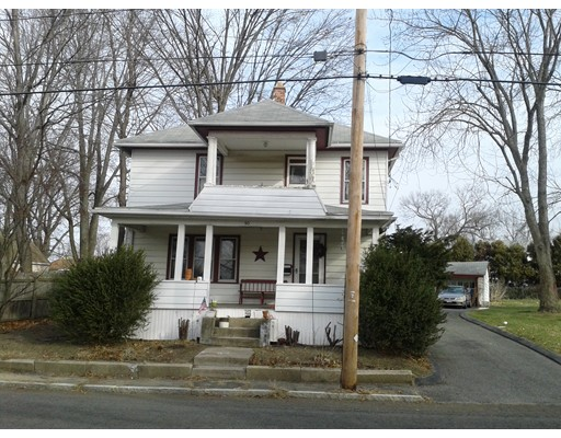 90  College St,  Chicopee, MA
