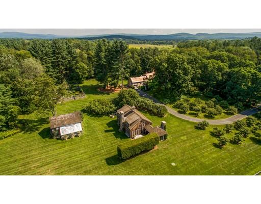 独户住宅 为 销售 在 514 Rannapo Road 谢菲尔德, 马萨诸塞州 01257 美国
