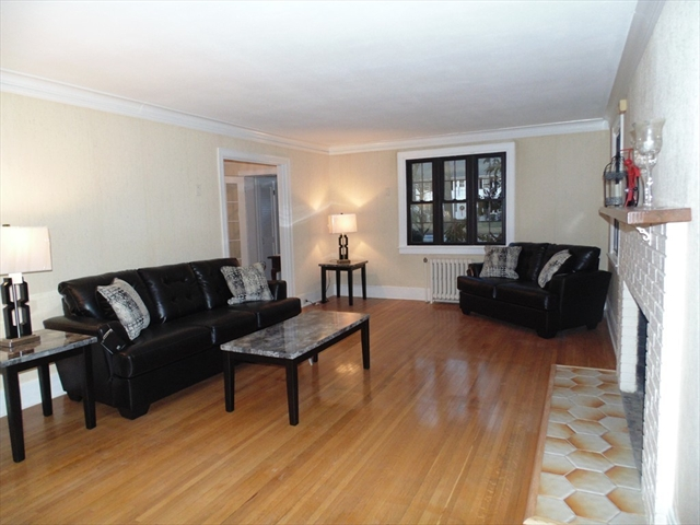 Photo #8 of Listing 212 Laurel St