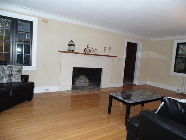 Photo #9 of Listing 212 Laurel St