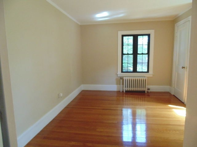 Photo #16 of Listing 212 Laurel St