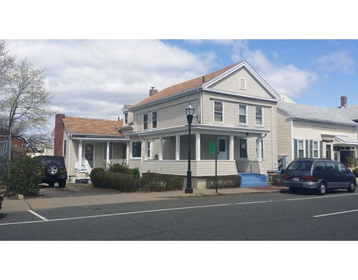 90  Center St,  Chicopee, MA