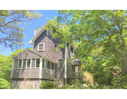 Casa Unifamiliar por un Venta en 74 Stone Bridge Road West Tisbury, Massachusetts 02575 Estados Unidos