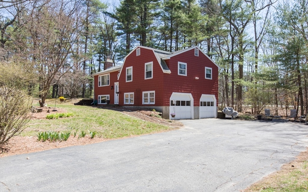 Picture 2 of 4 Chippewa Rd  Westford Ma 3 Bedroom Single Family