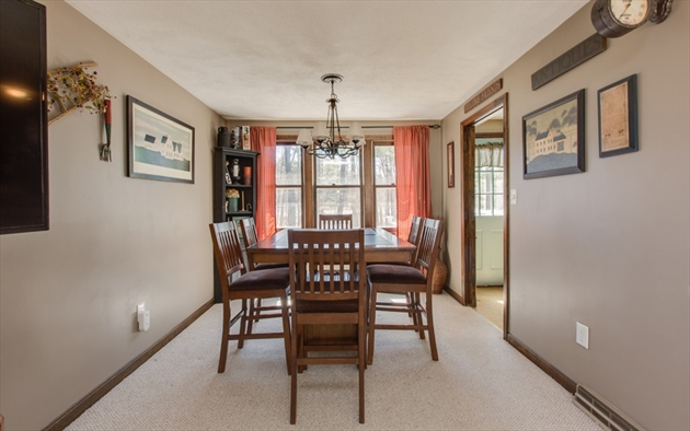 Picture 8 of 4 Chippewa Rd  Westford Ma 3 Bedroom Single Family