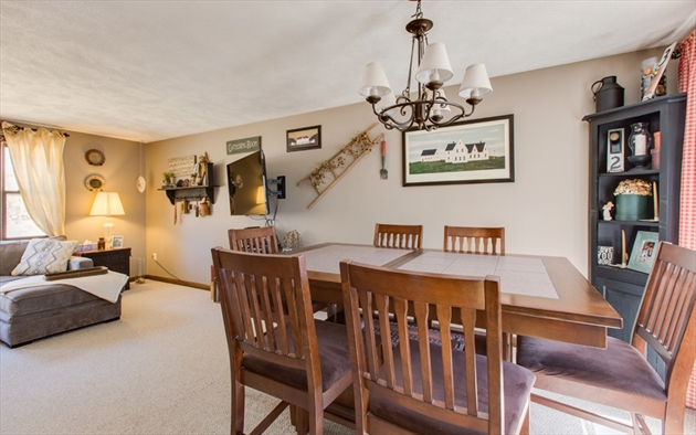 Picture 10 of 4 Chippewa Rd  Westford Ma 3 Bedroom Single Family