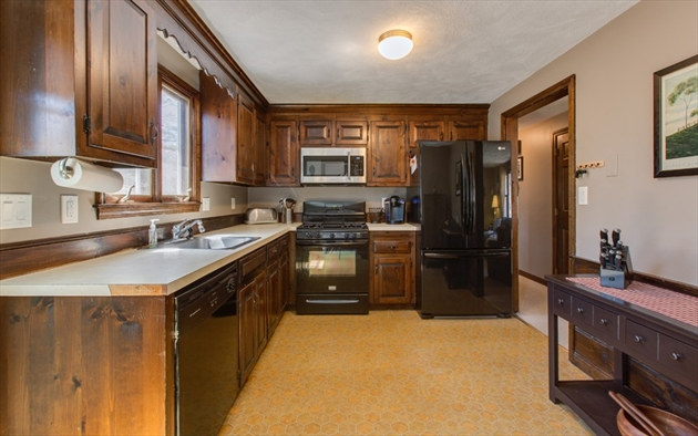 Picture 12 of 4 Chippewa Rd  Westford Ma 3 Bedroom Single Family