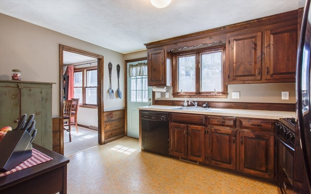 Picture 13 of 4 Chippewa Rd  Westford Ma 3 Bedroom Single Family