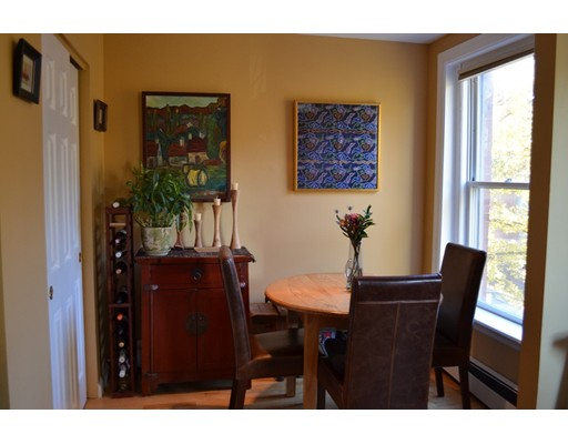 Additional photo for property listing at 92 W Springfield Street 92 W Springfield Street Boston, Massachusetts 02118 États-Unis