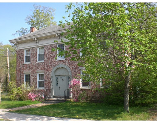 Casa Unifamiliar por un Venta en 25 East Main Street West Brookfield, Massachusetts 01585 Estados Unidos
