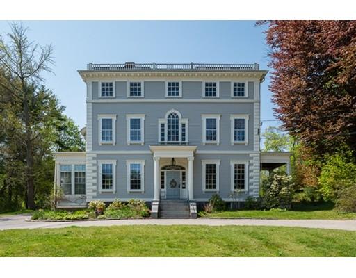 Maison unifamiliale pour l Vente à 107 Main Street 107 Main Street Hingham, Massachusetts 02043 États-Unis