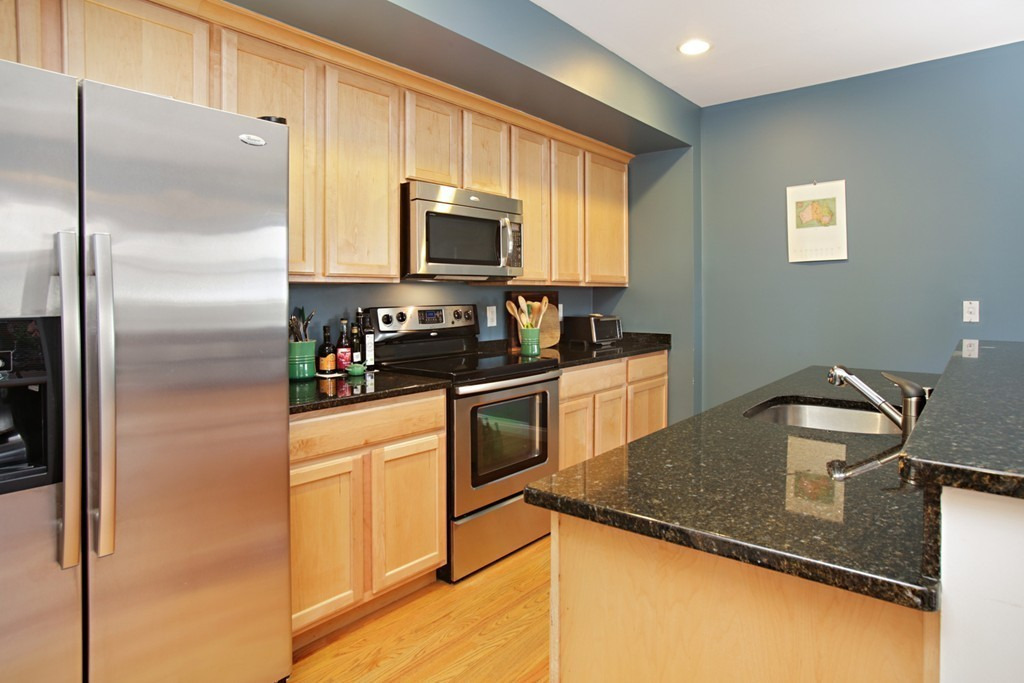 $649,000 - 2Br/2Ba -  for Sale in Somerville
