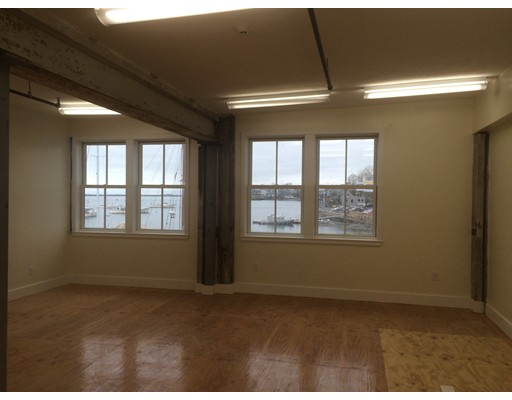 Additional photo for property listing at 89 Front Street 89 Front Street Marblehead, Massachusetts 01945 United States
