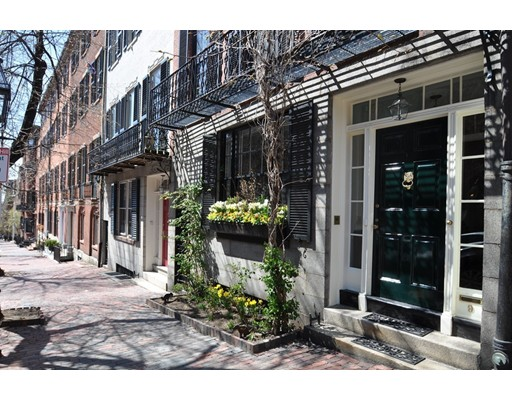 Single Family Home for Sale at 9 Chestnut Street Boston, Massachusetts 02108 United States