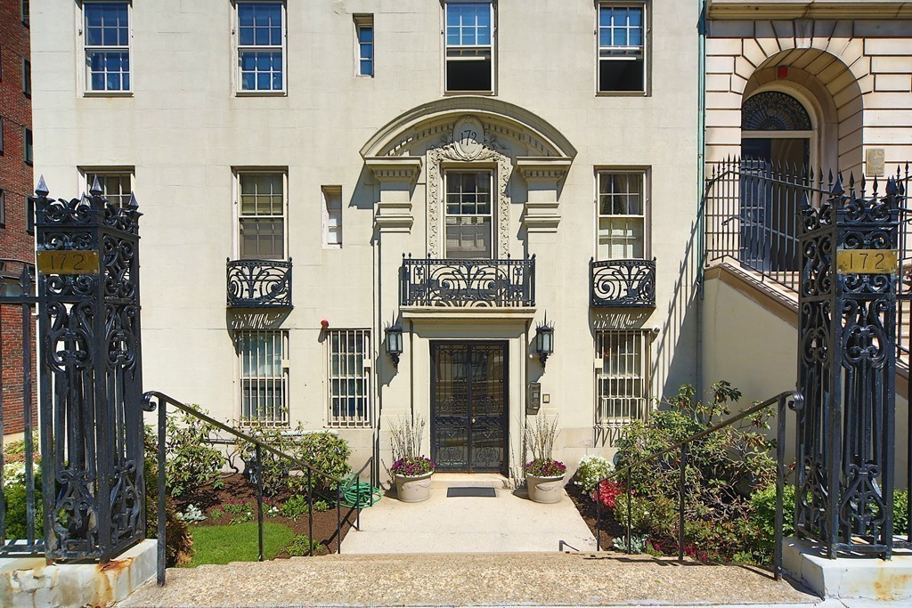 $4,650,000 - 4Br/3Ba -  for Sale in Boston