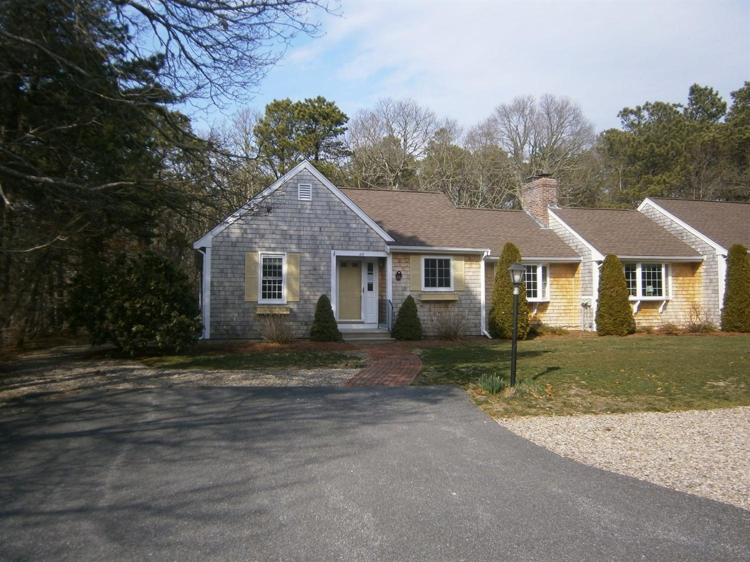 66  Debs Hill Rd,  Yarmouth, MA