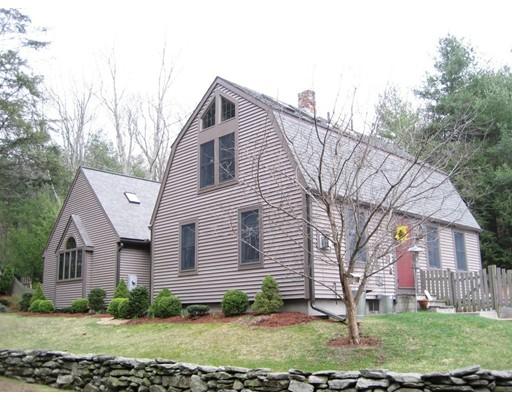 Частный односемейный дом для того Продажа на 87 Saundersdale Road 87 Saundersdale Road Charlton, Массачусетс 01507 Соединенные Штаты