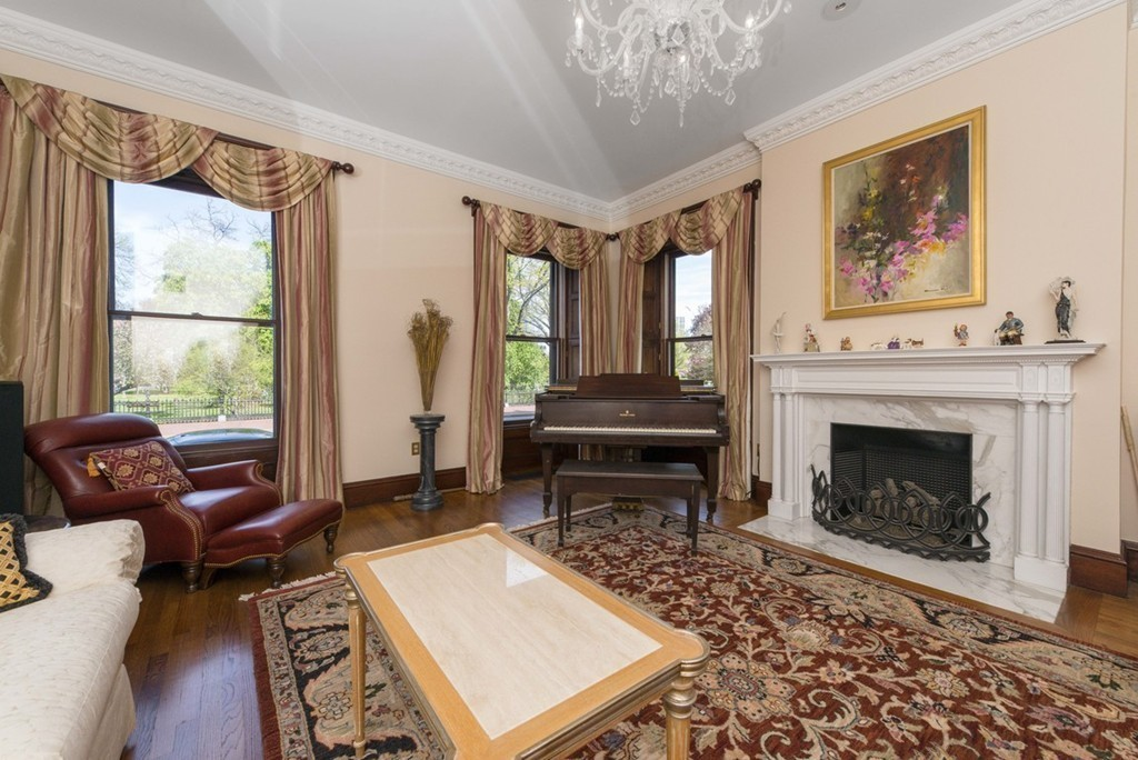 $4,300,000 - 2Br/3Ba -  for Sale in Boston